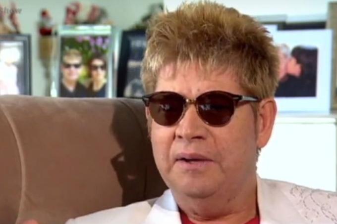 Morreu neste domingo (15) aos 67 anos o cantor Roberto Leal
