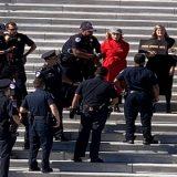 Jane Fonda é presa em protesto de ativistas contra o aquecimento global