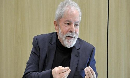 Lula pede suspensão de cobrança da multa até o fim da tramitação de processo do triplex