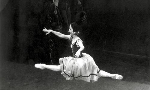 Morre a cubana Alicia Alonso, a maior bailarina clássica.