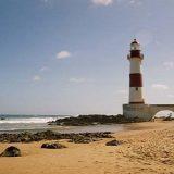 Adolescente é encontrado morto após se afogar em praia de Itapuã
