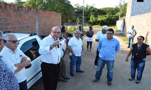 José Carneiro autoriza pavimentação em rua do bairro Pampalona.