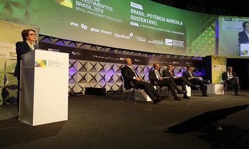 Ministra diz que Brasil deveria encontrar novos mercados para soja além da China