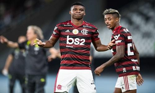 Lincoln ressurge no Flamengo depois de três meses e vira opção.