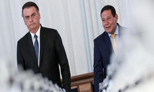"""Bolsonaro quer trocar Mourão pelo """"vice perfeito"""""""