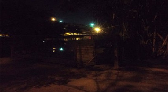 Feira: iluminação pública caótica e licitações suspeitas /por Carlos Lima