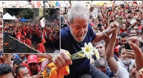 Lula já deixou a cela e a PF organiza sua soltura