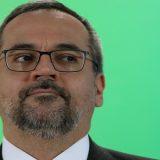 Ministro Weintraub diz que federais cultivam plantações de maconha