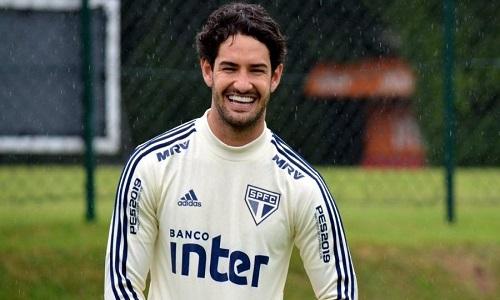 Pato fica no banco o tempo inteiro pela primeira vez no São Paulo