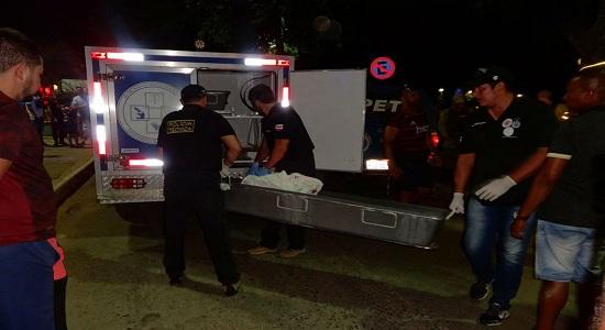 Na comemoração da vitória do Flamengo  bala perdida mata jovem na BA
