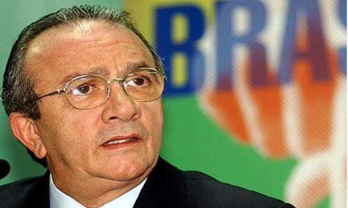 PF cumpre mandados de busca em escritórios de ex-presidente do STJ