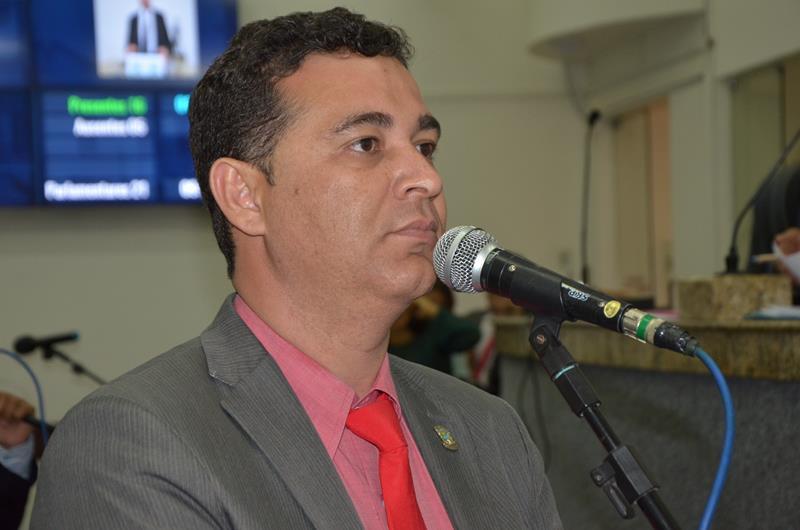 Vereador Marcos Lima provoca retrocesso ao combate à poluição sonora/ por Carlos Lima
