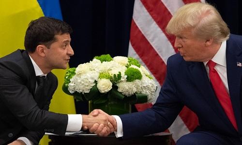 Presidente ucraniano nega acordo de benefício mútuo com Trump