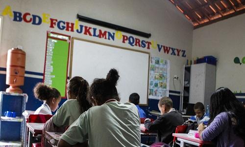 Desempenho do Brasil em ranking internacional de educação mantém 'luz vermelha acesa', diz Marcelo Neri