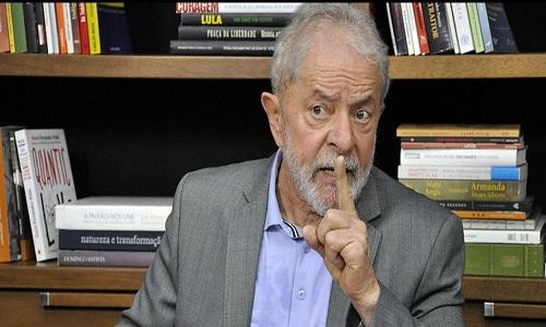 Lula tenta retomar alianças com partidos de centro