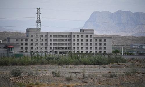 China afirma que 'preço deve ser pago' por texto do Congresso americano sobre minoria uigur