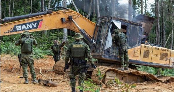 """Corte no orçamento faz fiscais do Ibama temerem """"apagão"""" em 2020"""