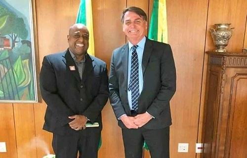Bolsonaro irrita militares ao entrega legado olímpico a padrinho de seu filho