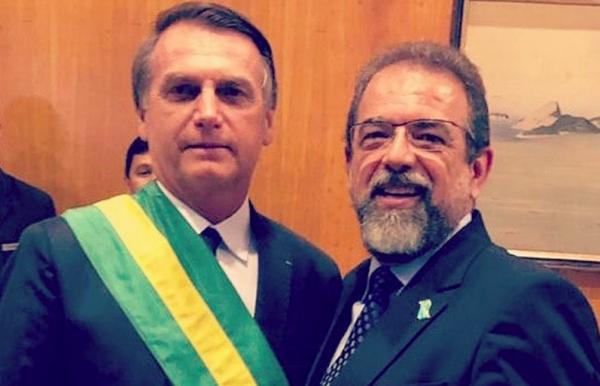 Taurus e Bolsonaro juntos na Índia: parceria que proporciona grandes lucros a pelo menos um deles