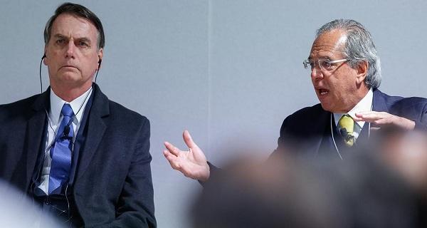 """Bolsonaro contraria Guedes e veta """"imposto do pecado"""