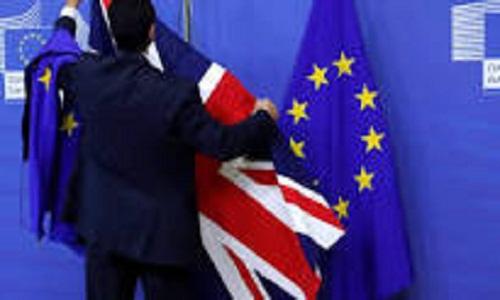 Brexit começa e Reino Unido busca negócios com EUA