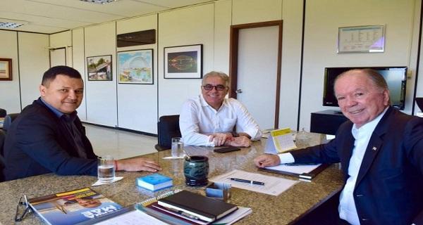 Zé Neto: solução para interromper o continuísmo político em Feira / por Carlos Lima