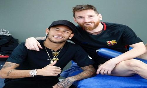 Messi diz que Neymar pediria perdão à torcida para voltar ao Barcelona