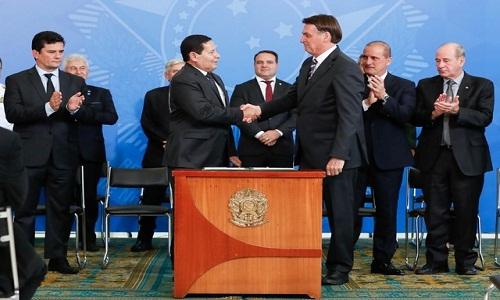 Bolsonaro exclui governadores do Conselho da Amazônia Legal