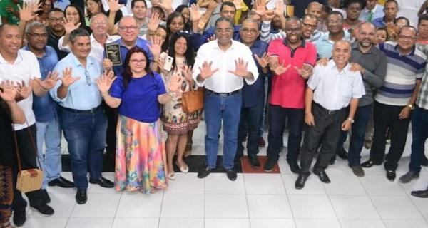 Pré-candidatura de Arimateia a prefeito é ameaça a Colbert/por Carlos Lima