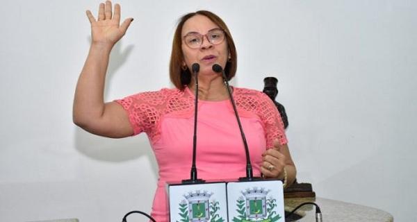Vereadora denuncia rejeição no governo de Colbert /por Carlos