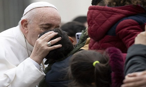 Papa Francisco cancela missa por causa de indisposição