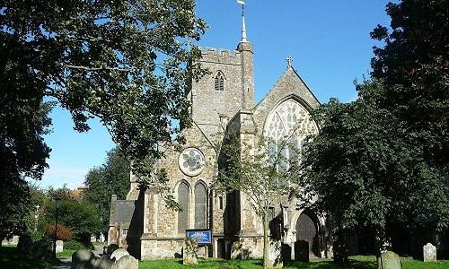 Restos mortais descobertos no século XIX pertenceriam à 1ª santa inglesa