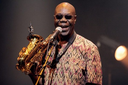 Manu Dibango lenda do saxofone morre vítima do Coronavírus