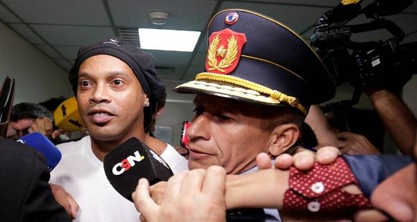 Ministro do Interior do Paraguai diz que Moro pediu libertação de Ronaldinho Gaúcho