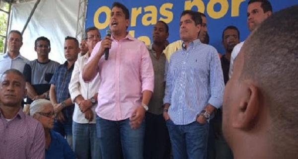 Oposição reprova vereador Sidninho ao participar de evento de ACM Neto