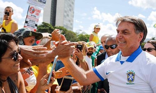 Bolsonaro diz que é o responsável caso tenha se contaminado